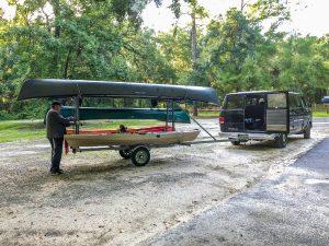 Lucas from Suwannee Canoe Rentals loads our Kayaks